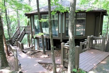 94 Treetopper Cir, Big Canoe, GA 30143