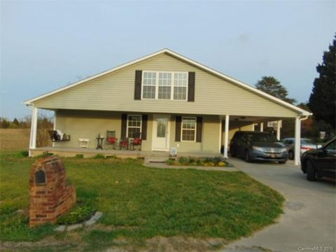 112 Rountree Rd, Grover, NC 28073
