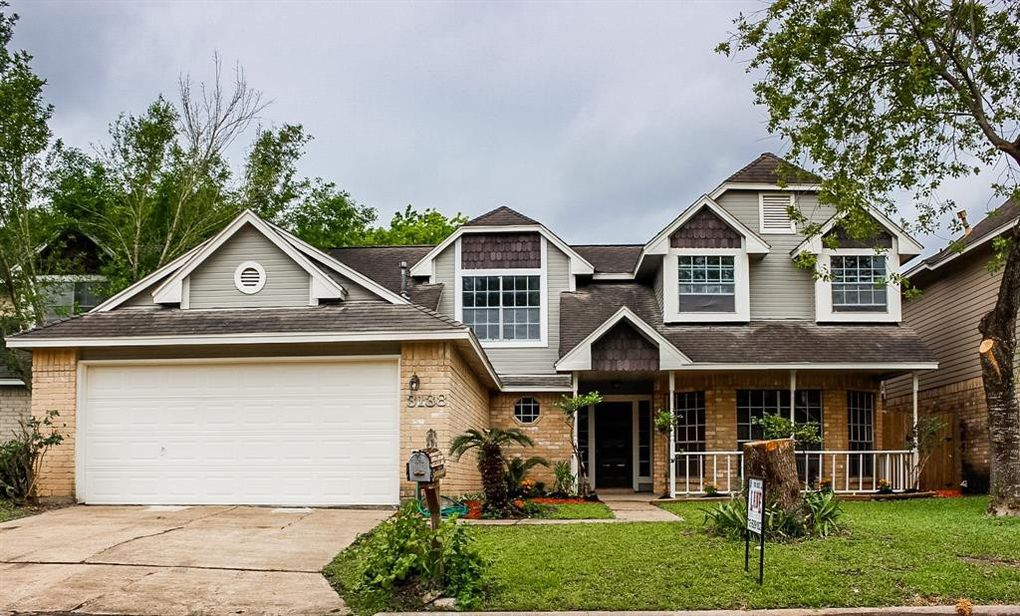 3138 Hollow Creek Dr, Houston, TX 77082