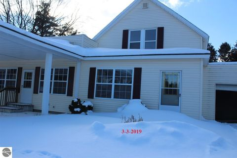 Photo of 1670 S Loxley Rd, Houghton Lake, MI 48629