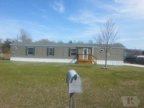 Photo of 508 N 7th St, Oquawka, IL 61469