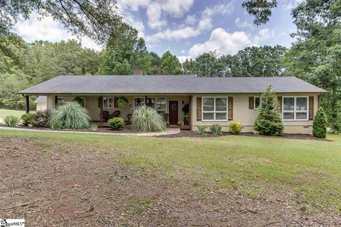 65 Enoree Rd, Travelers Rest, SC 29690