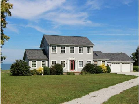 13690 Old Lake Rd, East Springfield, PA 16411