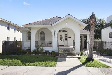 6859 Canal Blvd, New Orleans, LA 70124. House For Sale