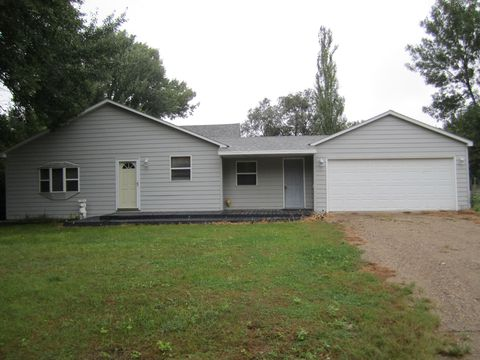 Photo of 204 E 9th St, Woonsocket, SD 57385