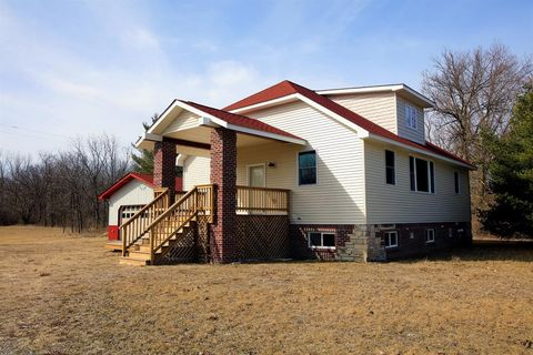 Photo of 10463 Townsend Rd, Dundee, MI 48159