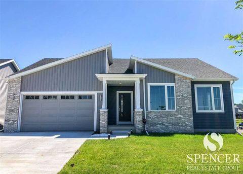 116 Crooked Tree Cir, Deforest, WI 53532