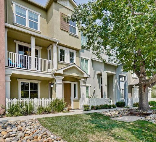 192 Darya Ct, Mountain View, CA 94043