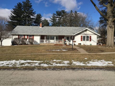 Photo of 1058 E 2nd Ave, Monmouth, IL 61462