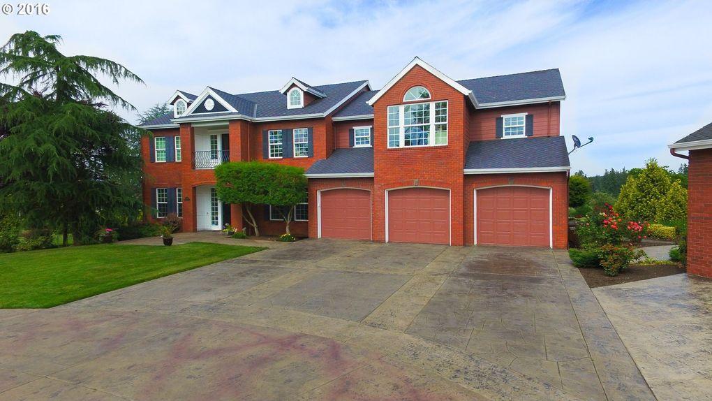 21292 S Meadowridge Ct, Oregon City, OR 97045