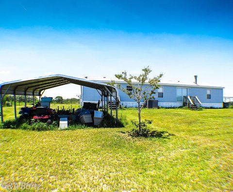 3000 W Gaucho Dr, Citrus Springs, FL 34433