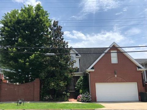 Photo of 156 3rd St, Pikeville, KY 41501