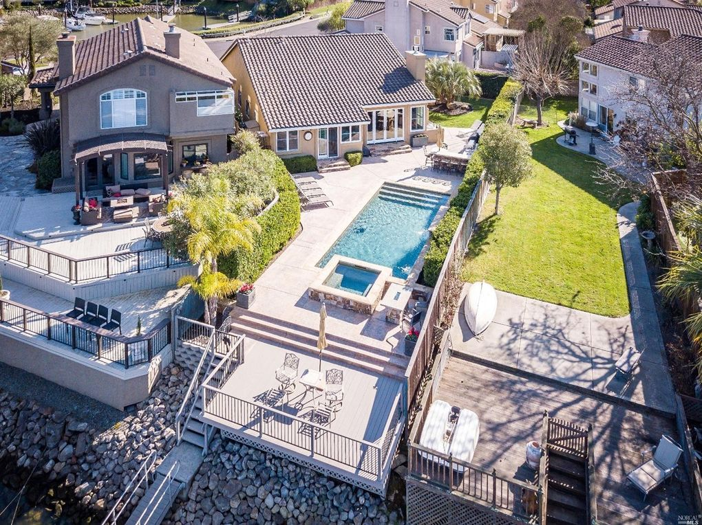 49 Cove Ct, Napa, CA 94559