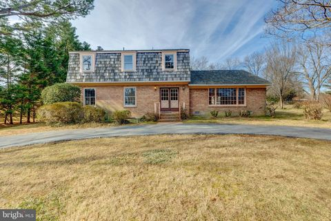Photo of 4408 Brookside Dr, Alexandria, VA 22312