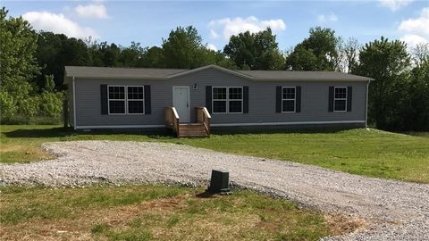 Photo of 1030 S Wooded Fields Rd, Hardinsburg, IN 47125