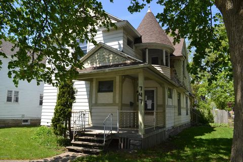 Photo of 747 Fifth St Nw, Grand Rapids, MI 49504