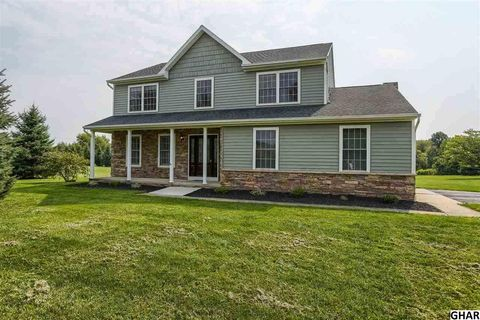 415 Kunkle Rd, Fawn Grove, PA 17321