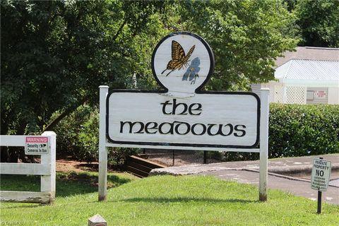Photo of 390 Meadows Cir, Winston Salem, NC 27104