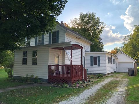108 Union St, Union Mills, IN 46382