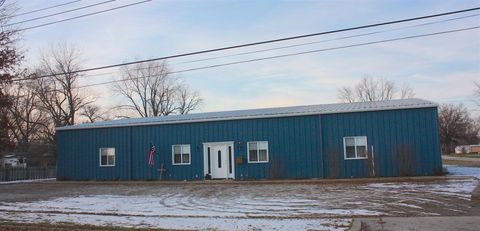 Photo of 302 W Canal St, Brookfield, MO 64628