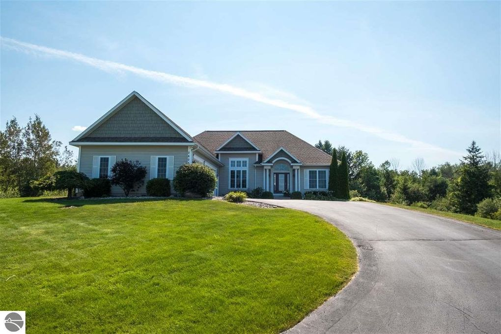 grand traverse county singles Grand traverse county, mi single family homes for sale single family homes for sale in grand traverse county, mi have a median listing price of $294,000 and a price per square foot of $160.