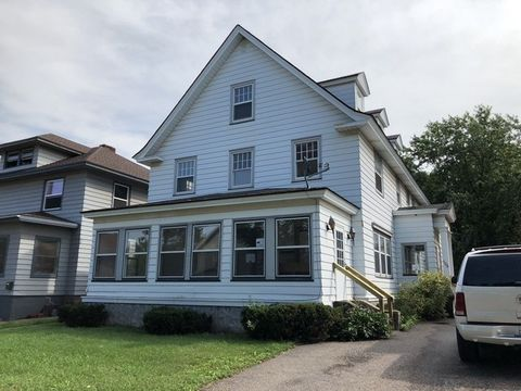 Photo of 706 N Main St, Ishpeming, MI 49849