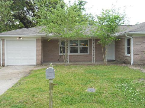Photo of 6821 Sharon Ln, Hitchcock, TX 77563