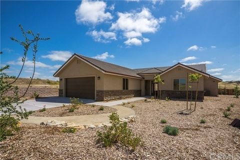 3430 Lakeside Village Dr, Paso Robles, CA 93446