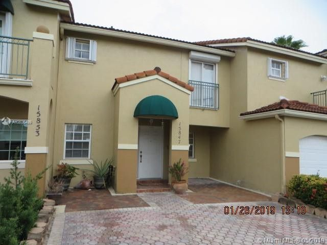 15847 Sw 71st St, Miami, FL 33193