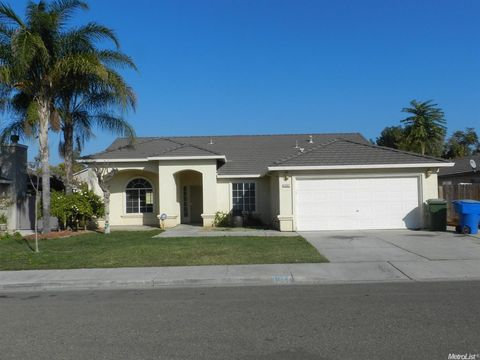 1341 Tomba Dr, Ceres, CA 95307
