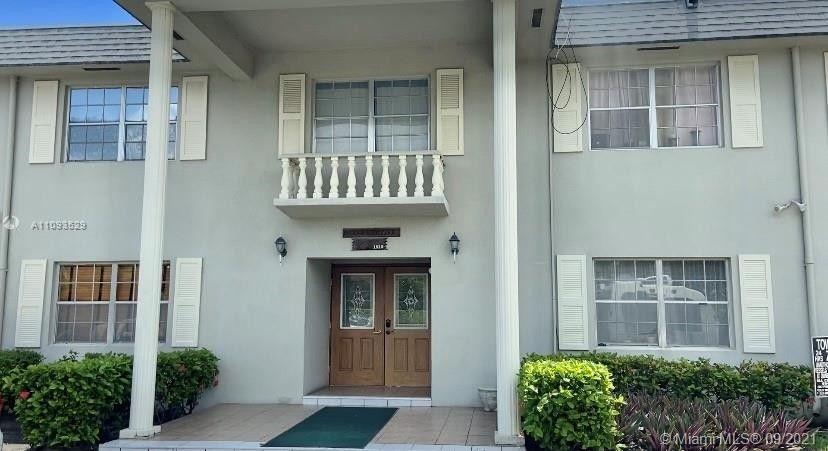 1520 McKinley St Unit 210E Hollywood, FL 33020