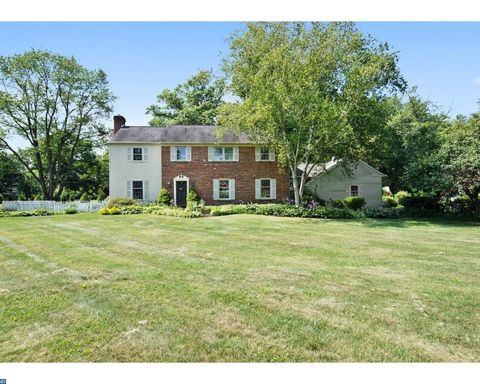 1 Glennoll Dr, Chadds Ford, PA 19317