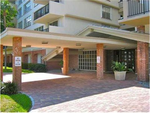 1001 91st St Apt 701, Bay Harbor Islands, FL 33154