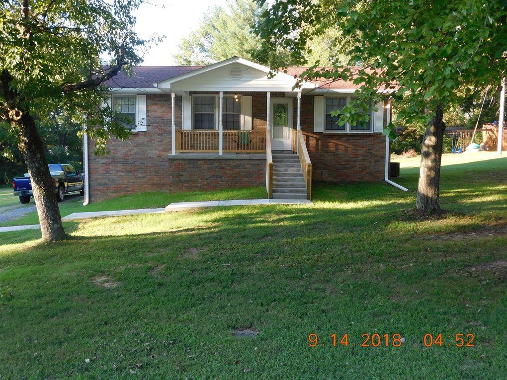 209 Tidwell St, Burns, TN 37029