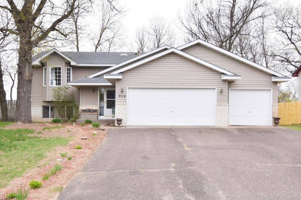 904 11th Ave Sw, Isanti, MN 55040 - realtor.com®