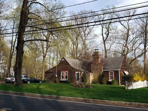 Photo of 120 Reinman Rd, Warren Twp, NJ 07059