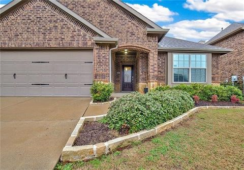 Photo of 495 Chandler Ct, Fate, TX 75189