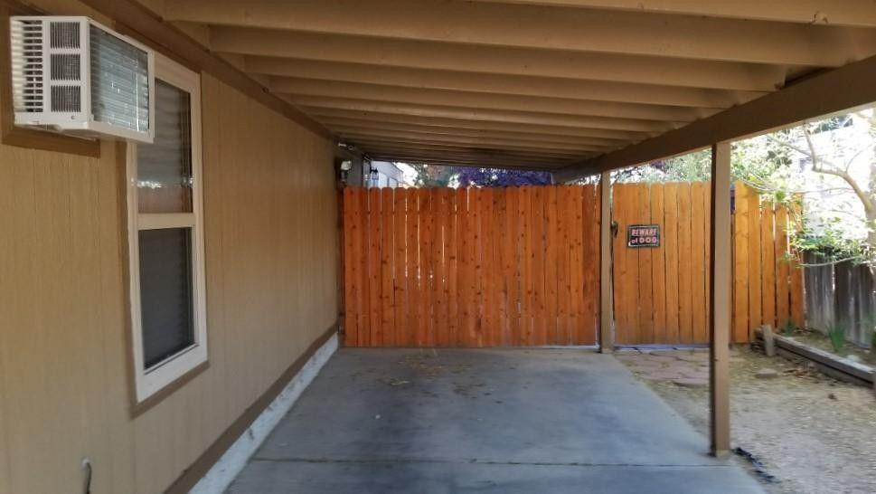 8427 Brook St Ne, Albuquerque, NM 87113