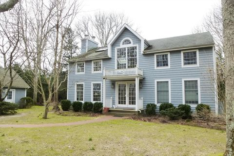Photo of 41 Hedge Row Ln, East Hampton, NY 11937