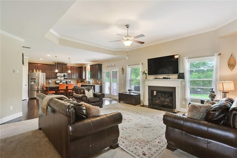 2399 Park Estates Dr, Snellville, GA 30078