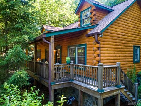 Photo of 126 Winsome Way, Cashiers, NC 28717