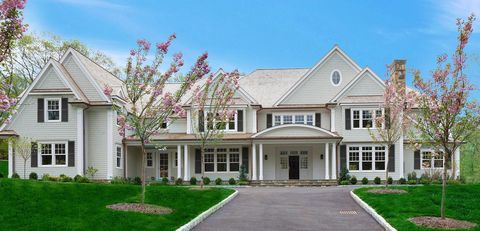 Photo of 198 W Hills Rd, New Canaan, CT 06840