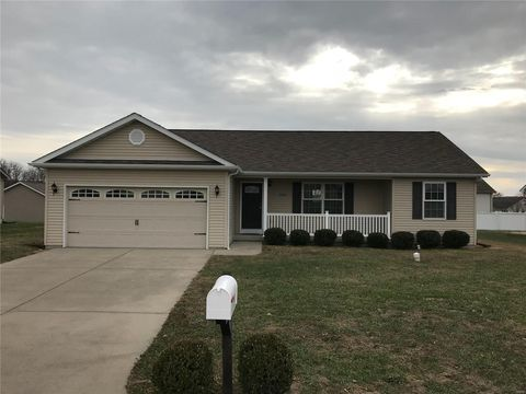 Photo of 306 Boulder Ridge Dr, Farmington, MO 63640