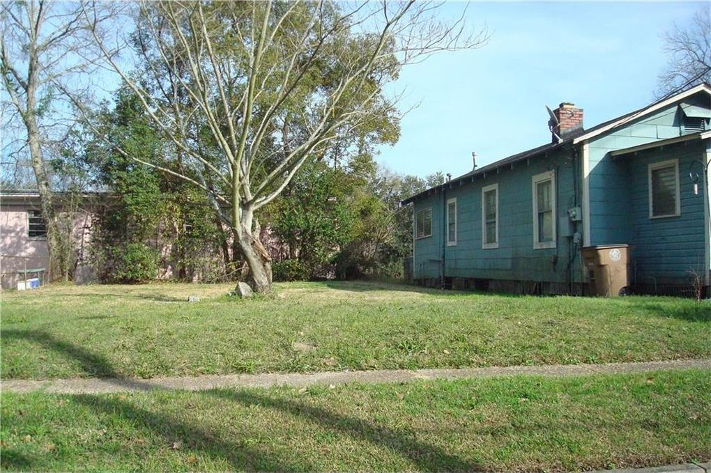 28 Washington Pl, Mobile, AL 36603