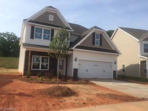 Photo of 5210 Harvest Oak Dr Lot 16, Greensboro, NC 27406