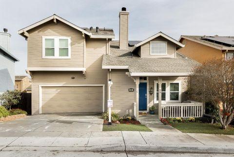 35 Peppertree Ln, Watsonville, CA 95076