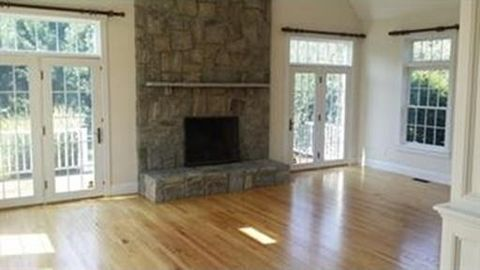 72 Boon Rd, Stow, MA 01775