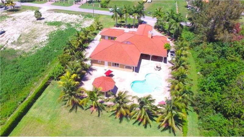 9884 Nw 135th St, Hialeah Gardens, FL 33018 - realtor.com®
