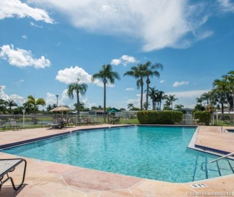 Photo of 3392 Nw Lake Overlook Pl, Lake Worth, FL 33462
