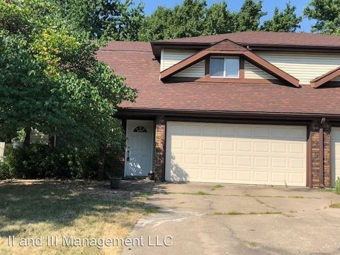 Photo of 1419 E Sheridan St, Olathe, KS 66062